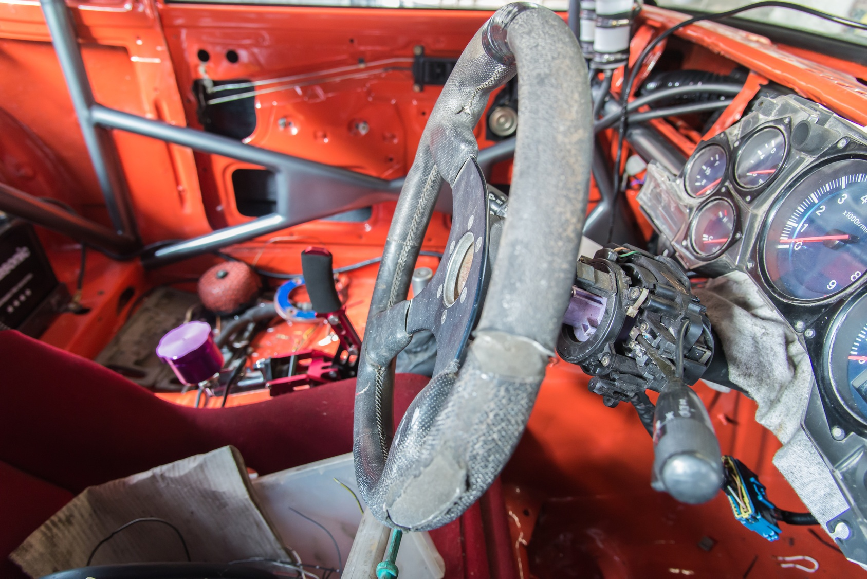 Steering wheel columns have many sensitive parts that can break, compromising your control of a vehicle.